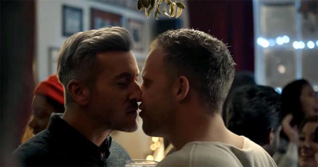 Ваш первый гей поцелуй