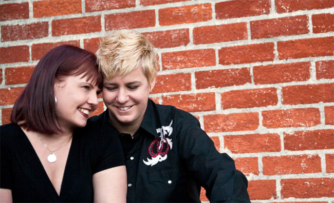Лижет жопу, как понравиться лесбиянке